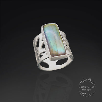 Labradorite Sterling Silver Pebble Ring