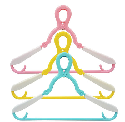 Towa Industry 3 pcs children hanger that can be used in parent-child blue / yellow / pink