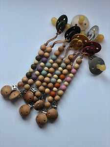 Silicone and wood pacifier clip- Silvia