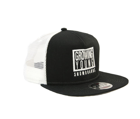 GY BOX SNAPBACK TRUCKER - WHITE