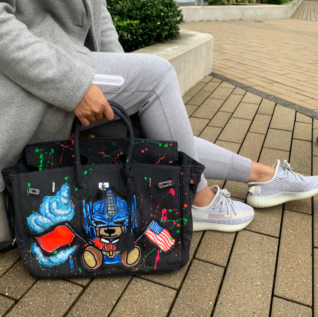 The HOLLYWORLD Graffiti Tote | Made Your Look Co - Made Your Look Co.
