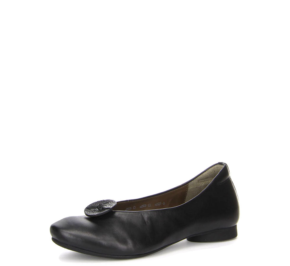 Ladies Guad Flat Pump