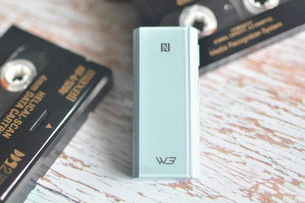 Review of Hiby W3 Headphone Bluetooth dongle Dac amplifier 3