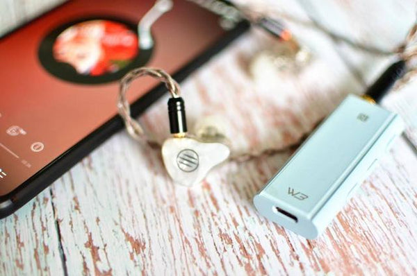 Review of Hiby W3 Headphone Bluetooth dongle Dac amplifier 4