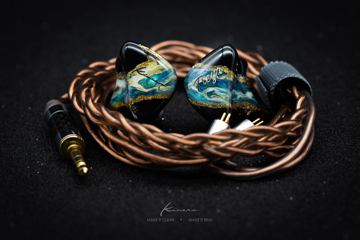 Blue Kinera Freya with 2-Pin Copper Cable