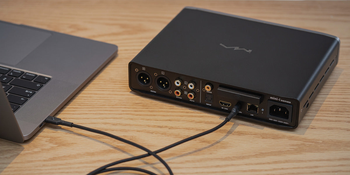 Matrix Mini-i Pro 3 connected to laptop by USB-C
