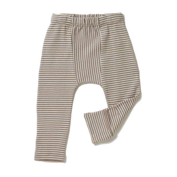 brown and cream color petite stripes leggings with feet covers. Direction play at center. Soft elastic waistband and slim fit. 100% organic cotton petite stripe knit.