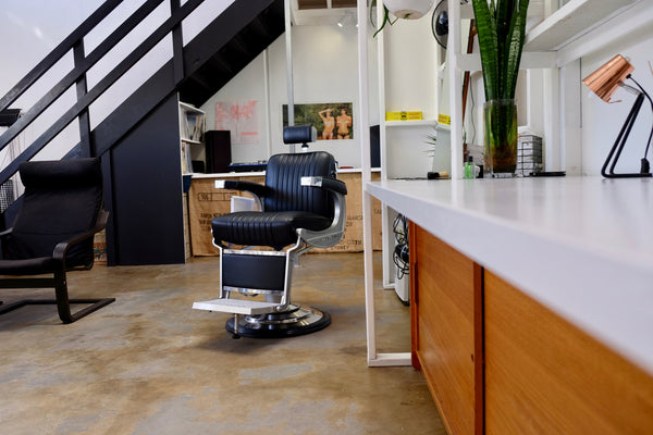 barber chair jack the snipper byron bay best mens and kids haircuts