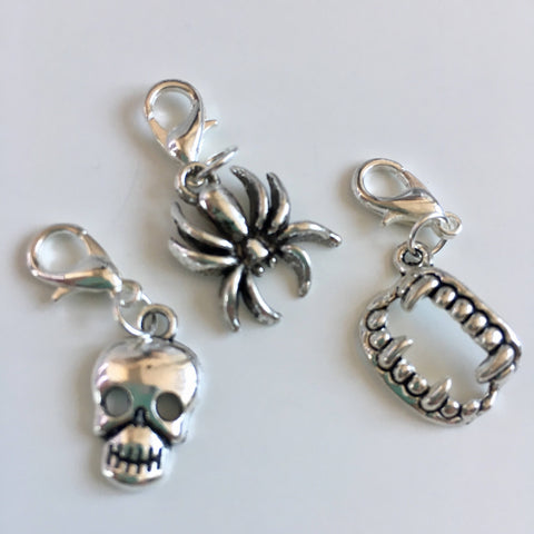 Halloween themed stitch marker or progress keepers (set of 3) Skull / spider / fangs
