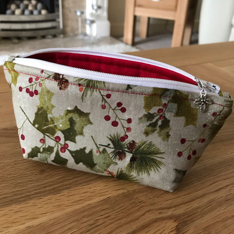 Holly print notions pouch