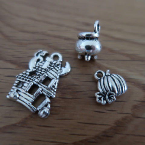Halloween themed stitch marker or progress keepers (set of 3) Haunted house / Cauldron / Pumpkin