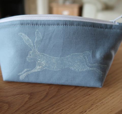 Hare notions pouch