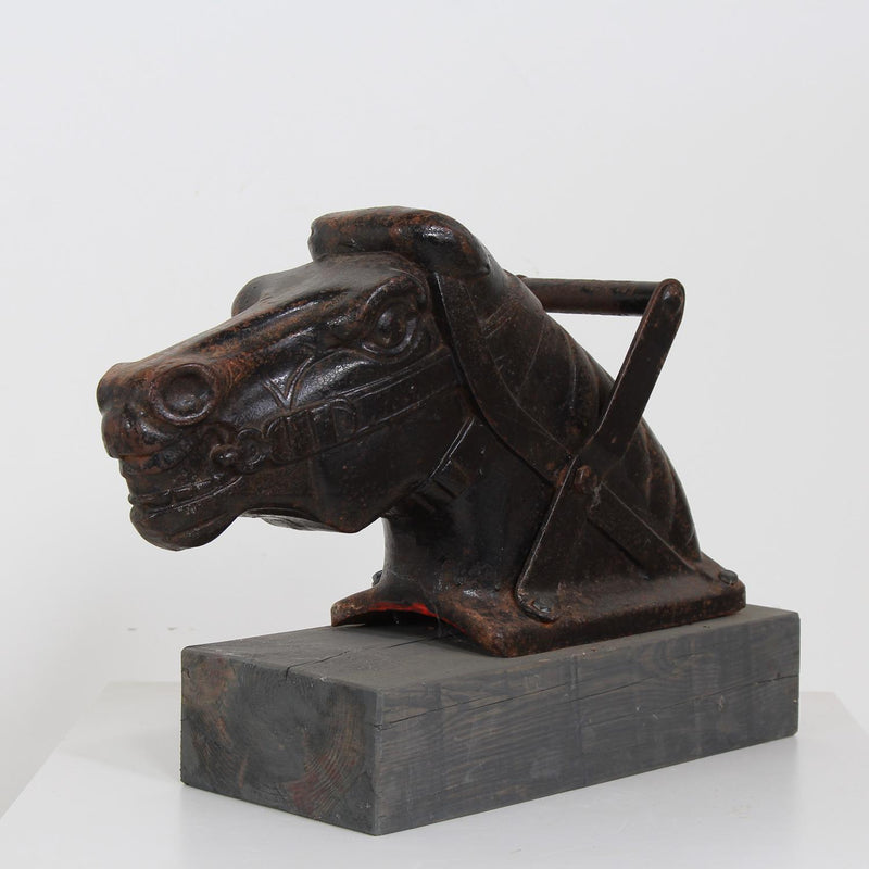 EXCEPTIONAL ARCHITECTURAL CAST IRON  BLACK HORSES HEAD