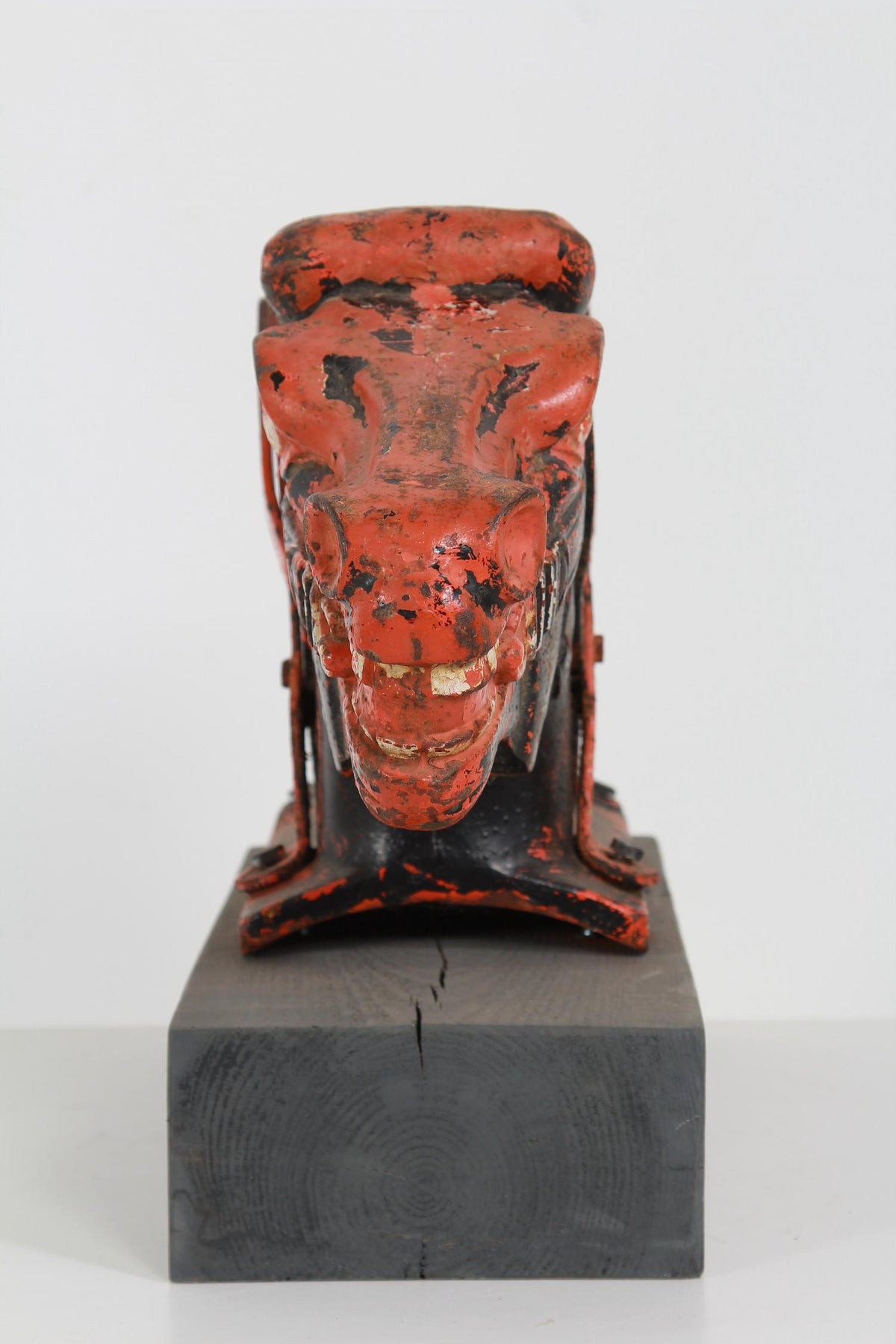 EXCEPTIONAL ARCHITECTURAL CAST IRON RED HORSES HEAD