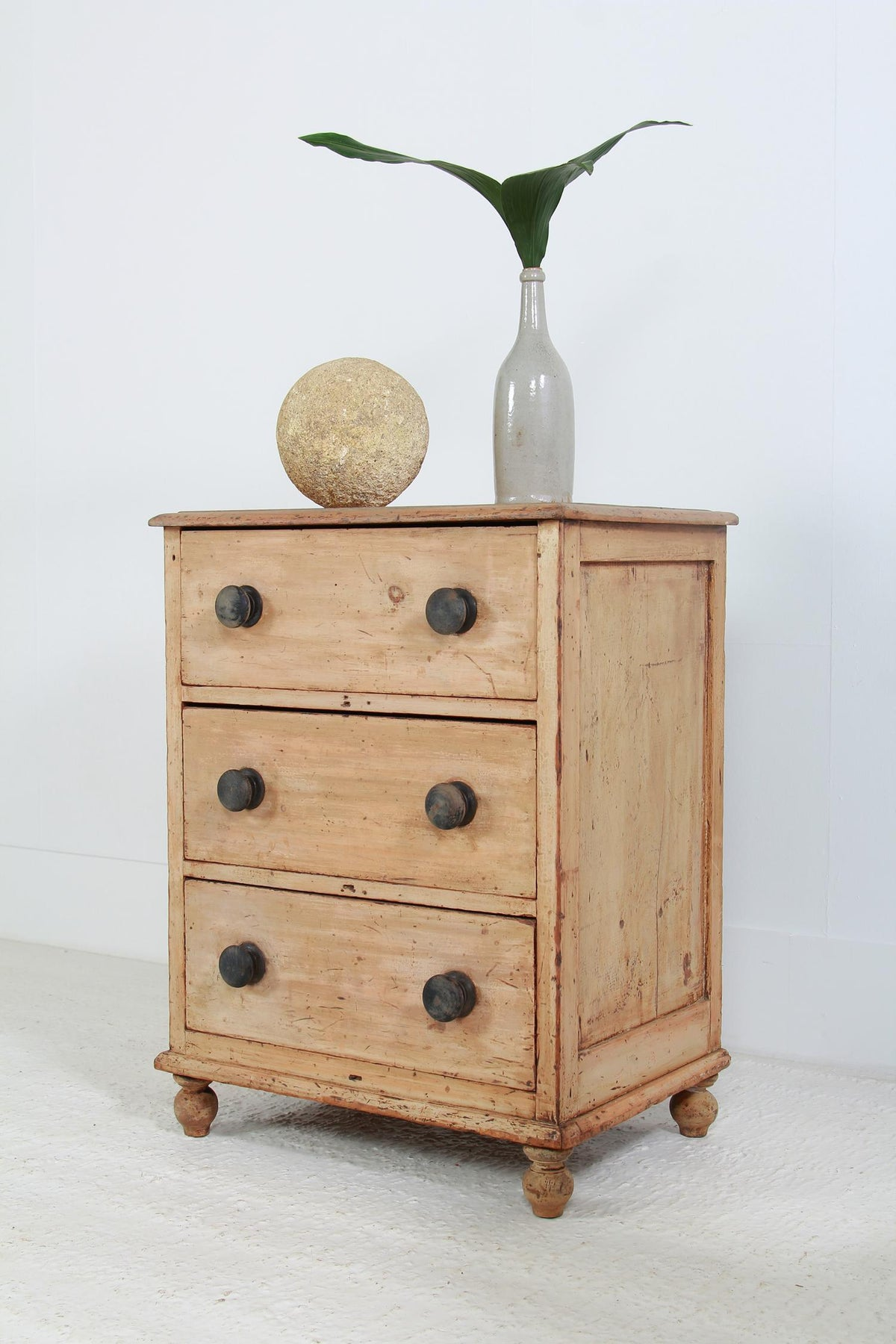 Small Antique English 19thC Pine Chest of Drawers