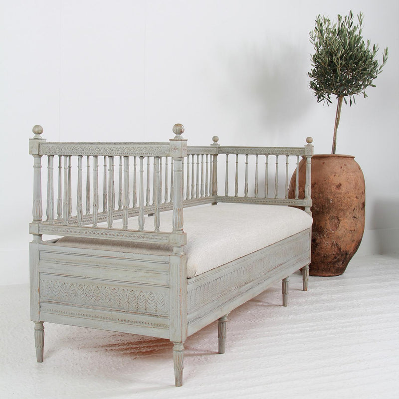 Exquisite Swedish  Gustavian Painted Sofa Bench