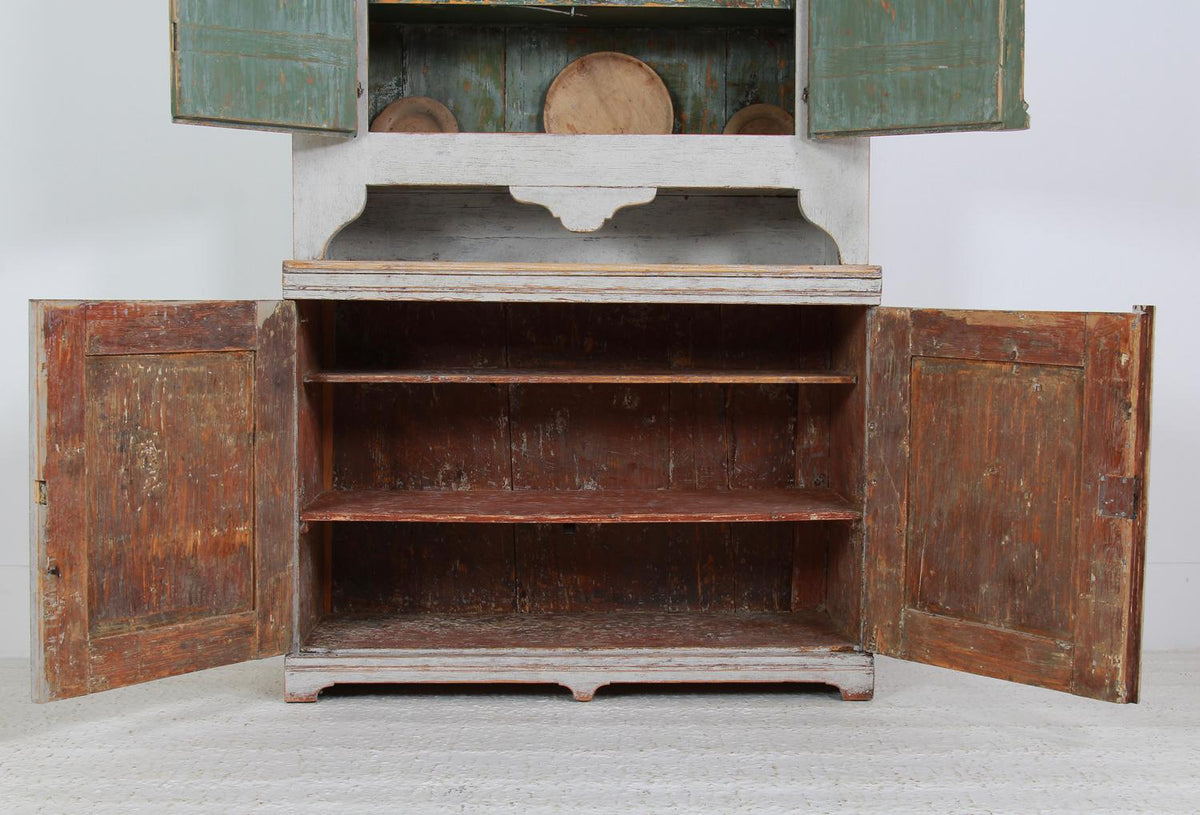 Exquisite Period Rococo Swedish  19thC Cabinet from Jamtland