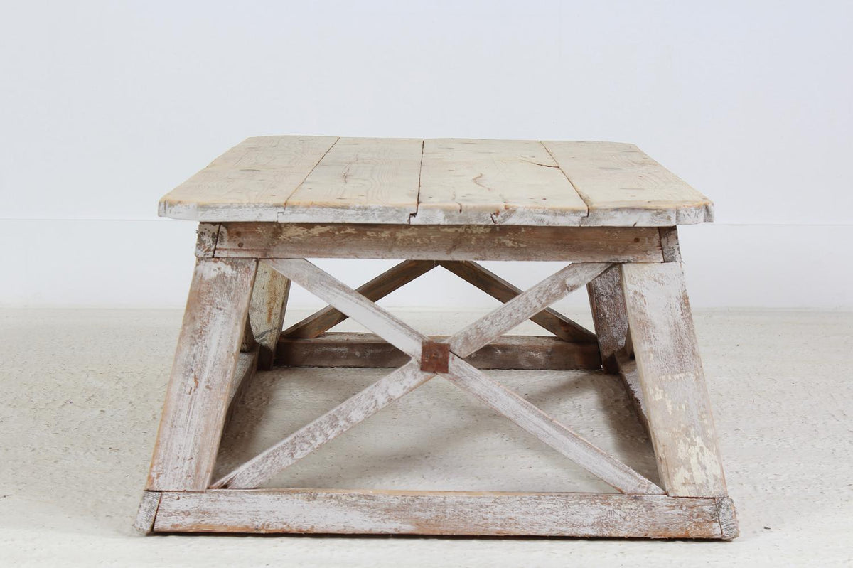 RUSTIC ITALIAN ARTISAN WOODEN COFFEE TABLE