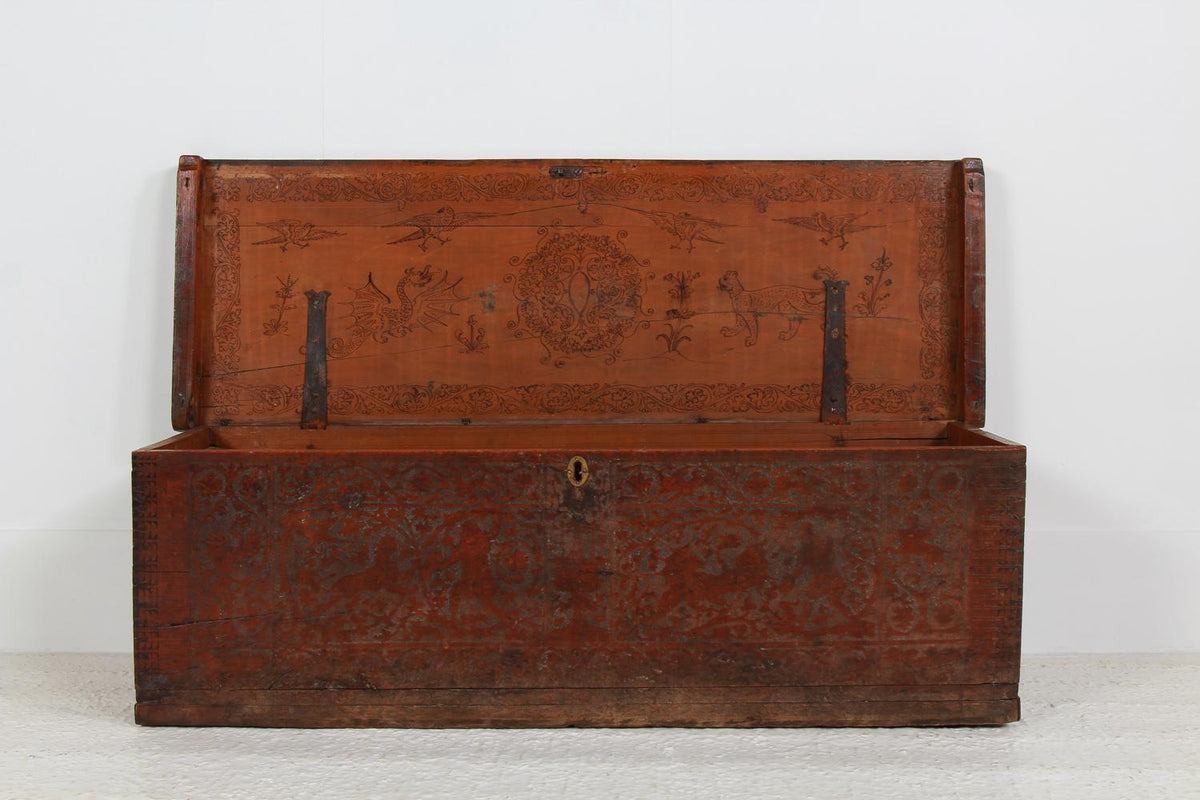 Ancient Italian Venetian 16th Century  Coffer/Chest