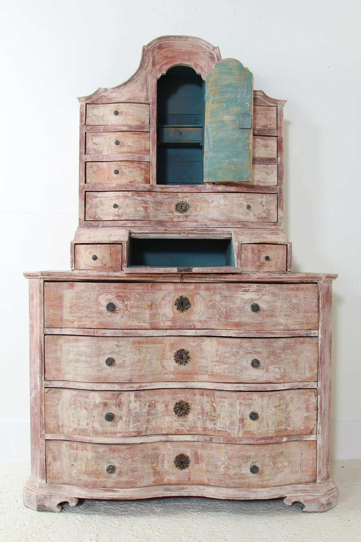Exquisite Swedish 18thC Cabinet
