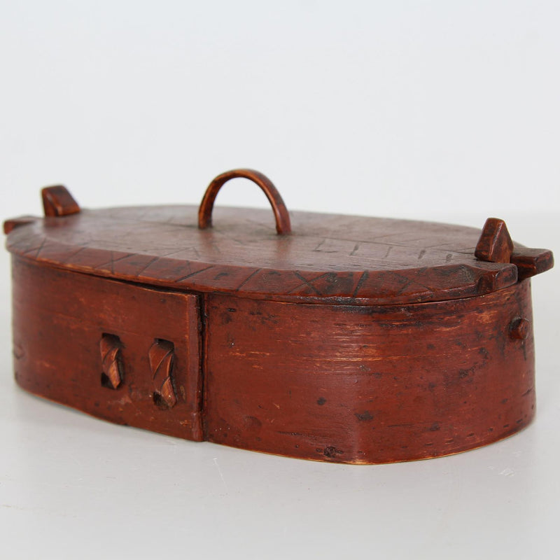 A VERY CHARMING SWEDISH 19THC BENTWOOD BOX IN ORIGINAL RED PAINT