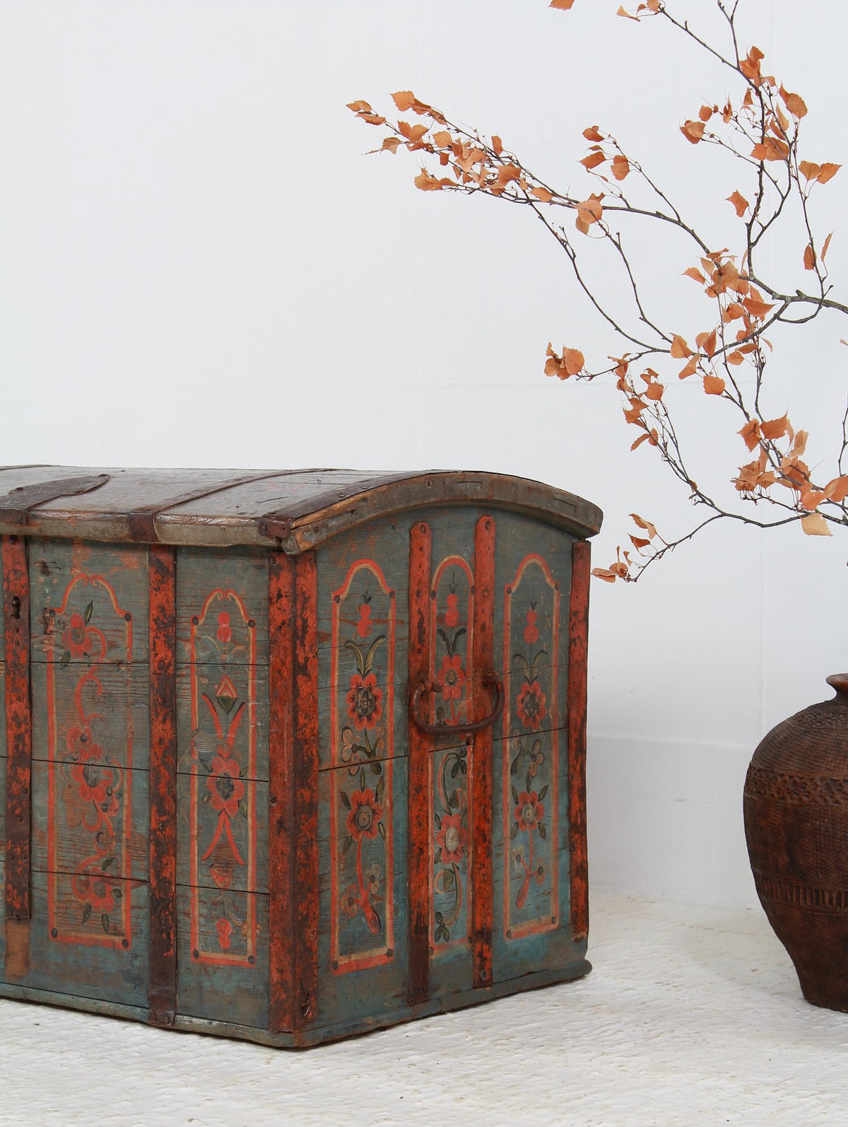 Rare 18thC Swedish Dome Trunk with Superb  Paintwork