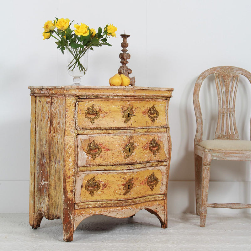 Majestic Petite 18thC Serpentine  Rococo Commode in Original Paint