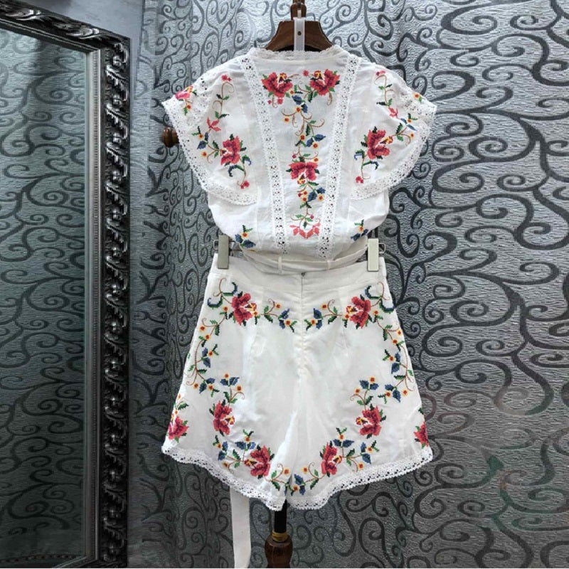 Two Piece Set Ladies V-Neck Vintage Embroidery Crop Tops