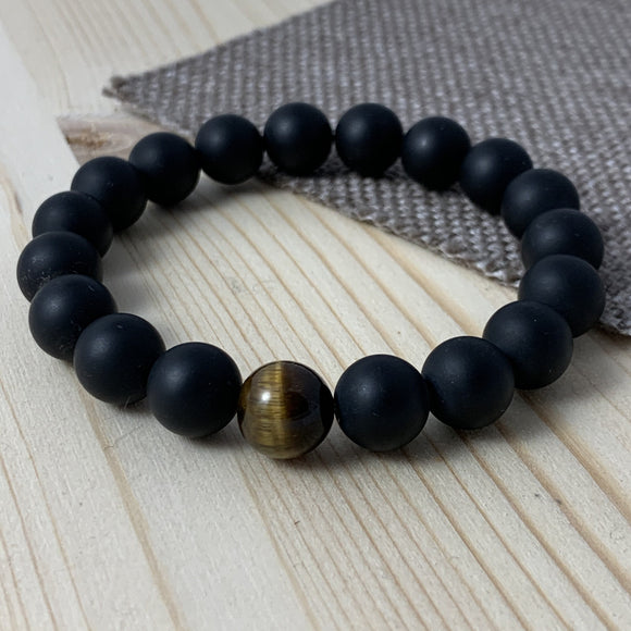 BLACK MATTE ONYX AND GOLD TIGER EYE BRACELET