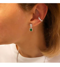 Load image into Gallery viewer, Single Row Graduated Ear Cuff