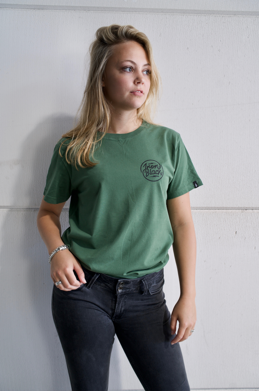 IRON BLACK LOGO TEE GREEN