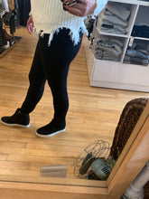 Load image into Gallery viewer, Liverpool Black Reese Seamed Legging