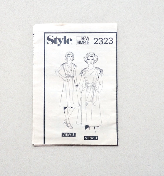 Style Vintage Sewing Pattern 2323 for Dress
