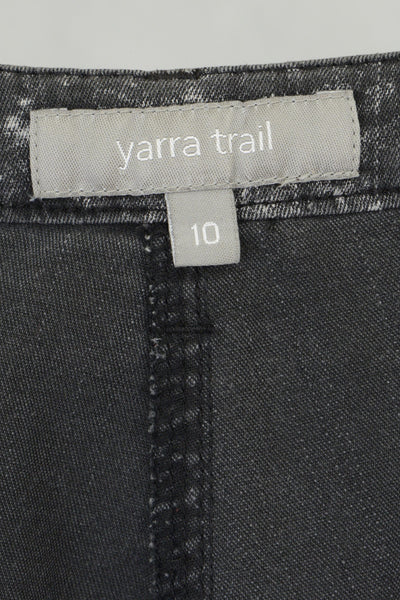 Yarra Trail clothing label