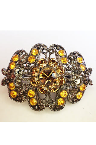 Small vintage brooch