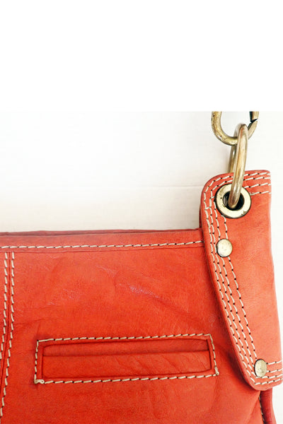 Brick-red Manzoni leather shoulder bag close up
