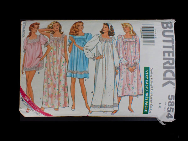 Vintage Butterick sewing pattern in packet
