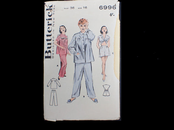 Vintage  Butterick sewing pattern packet