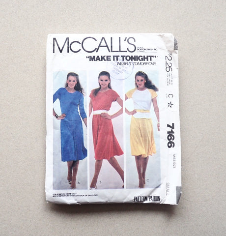 McCall's vintage pattern 7166 front of pack