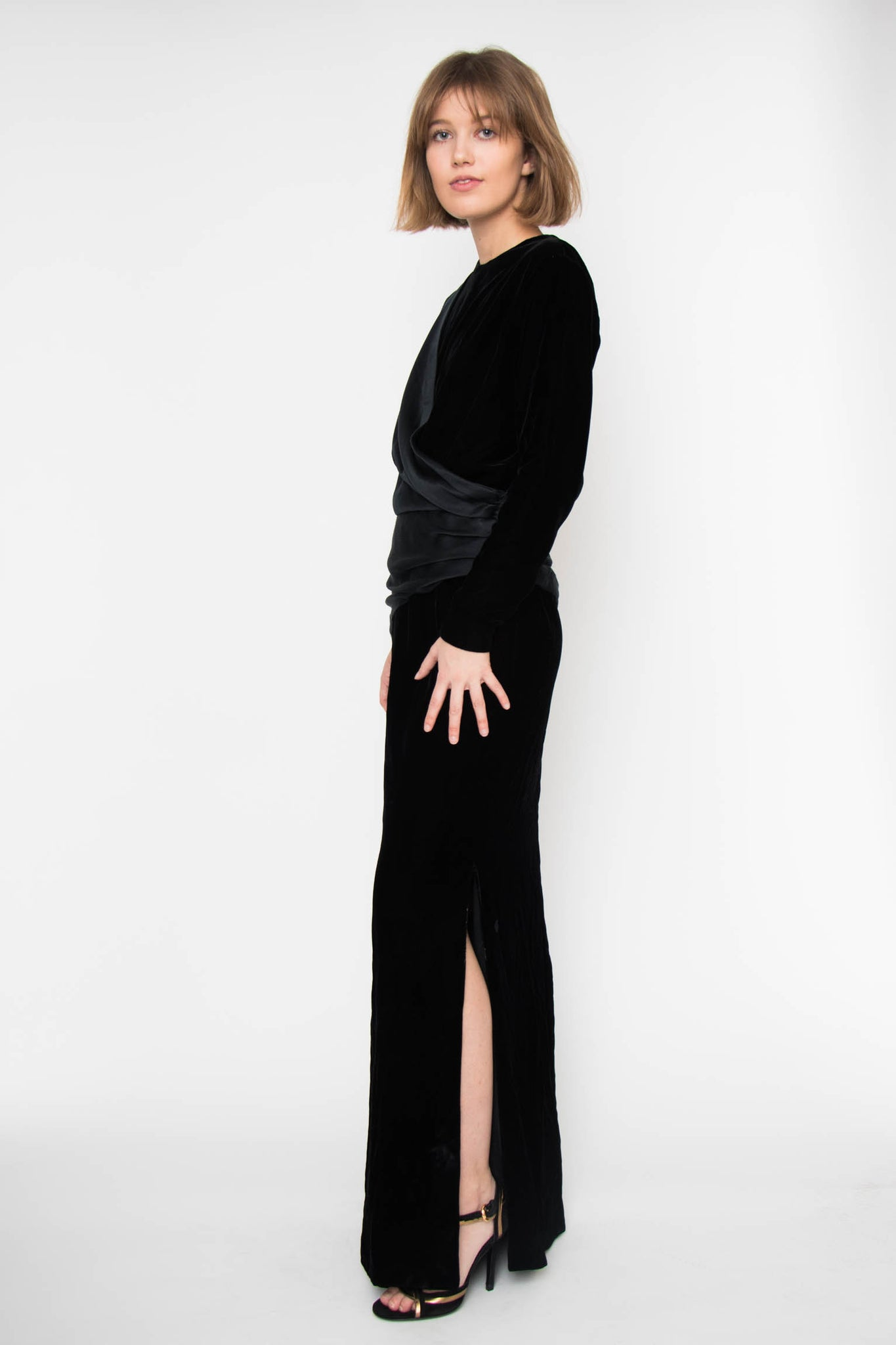 A 1960s Black Velvet Evening Gown S