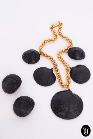 A 1970s Vintage Ugo Coreani Seashell Necklace And Earring Set