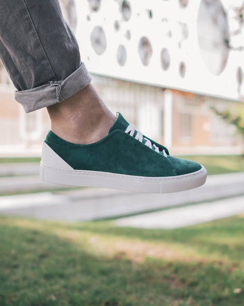 Minimal Low custom sneakers by @oliverberg_ with DiVERGE