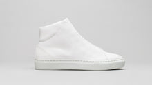 Load image into Gallery viewer, Secondary side view of the DiVERGE Minimal High White Canvas sneakers/trainers