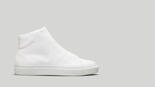 Load image into Gallery viewer, Side view of the DiVERGE Minimal High White Canvas sneakers/trainers