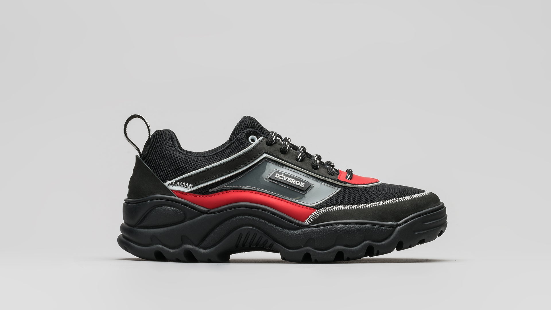 DiVERGE Sneakers - Ziggy V4 in Black and Red