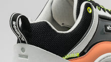 Load image into Gallery viewer, DiVERGE Sneakers Ziggy back detail