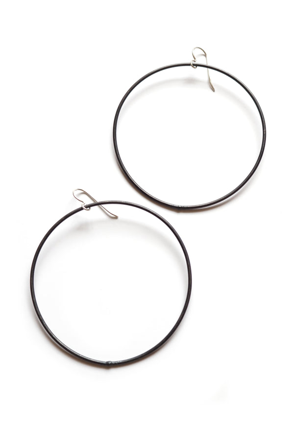 extra large Evident earrings in steel