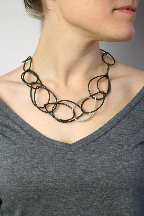 Eleanor necklace in steel and silver