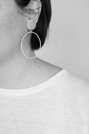 Large Evident Earrings in Bubble Gum