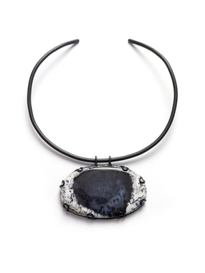 oval Contra Noir necklace